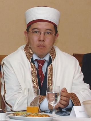 Muftiul Murat Iusuf, la cina tradiţională de iftar (Ramadan) organizată de Muftiatul cultului musulman din România (5 octombrie 2007).